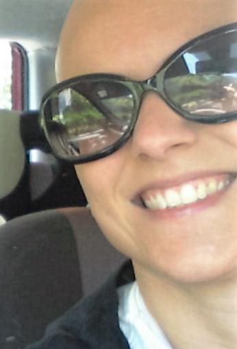 Alessandra B.: la mia parrucca è una reliquia.